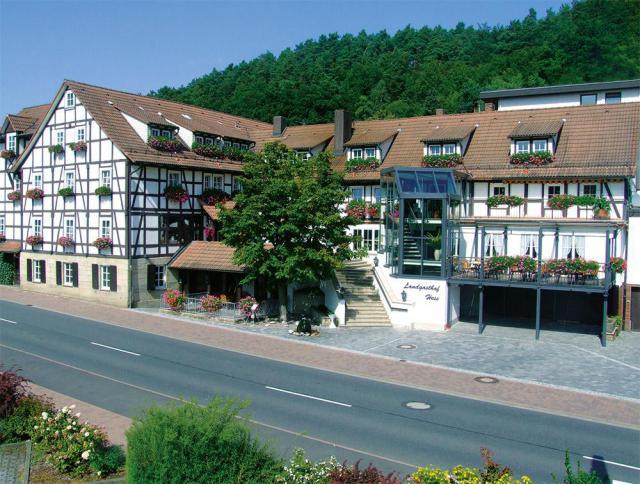 hotel-1.thumb.jpg.da871cf3d97a0f150aacd34978cfbfca.jpg