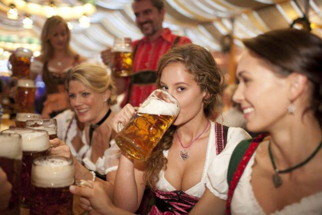 beer-girls-1000x667.jpg